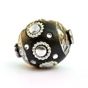 Black Beads Studded with Metal Rings & Silver Accessories