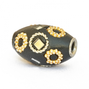 Black Beads Studded with Metal Rings, Mirror Chips & Accessories