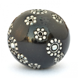 Black Lac Beads Studded with Metal Flowers & Metal Balls