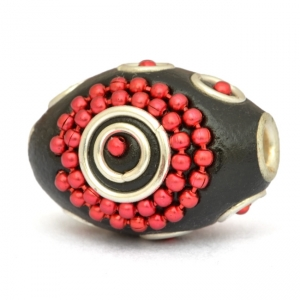 Black Cylindrical Beads Studded with Red Metal Chains & Rings