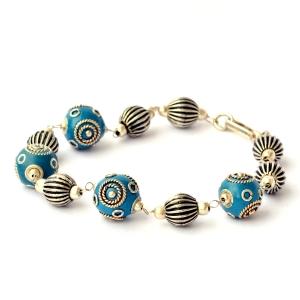 Handmade Bracelet having Blue Beads with Silver Plated Rings & Balls