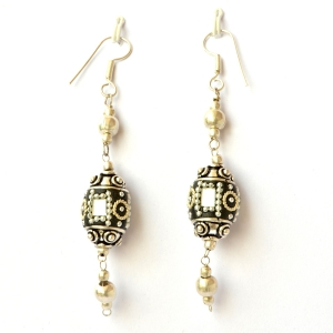 Handmade Earrings having Black Beads with Mirror Chips & Metal Chains