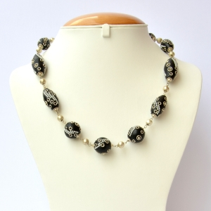 Handmade Necklace with Black Beads having Metal Chains & Rings