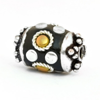 Black Beads Studded with Metal Rings & Accessories