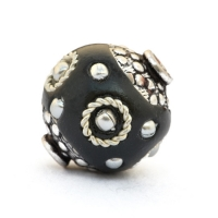Black Beads Studded with Metal Rings & Metal Balls