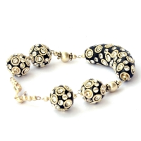 Handmade Bracelet having Black Kashmiri Beads with Rhinestones
